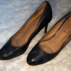 Leather heels size 11. Comfy insides